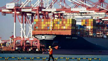 Chiny. Gospodarka spowalnia. Szkodzi Trump i jego wojna handlowa