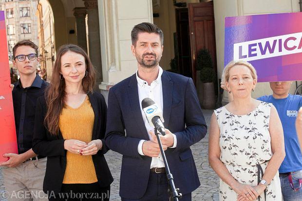 Wybory parlamentarne 2019. Na zdj. Agnieszka Dziemianowicz-Bąk, Krzysztof Śmiszek i Katarzyna Lubiniecka-Różyło