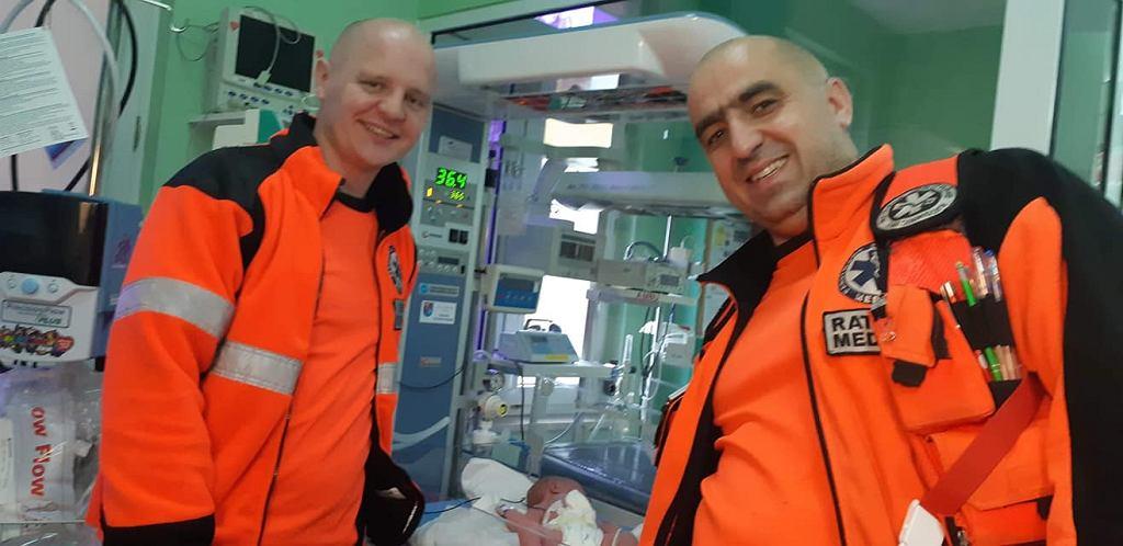 Warszawscy ratownicy odebrali poród w karetce