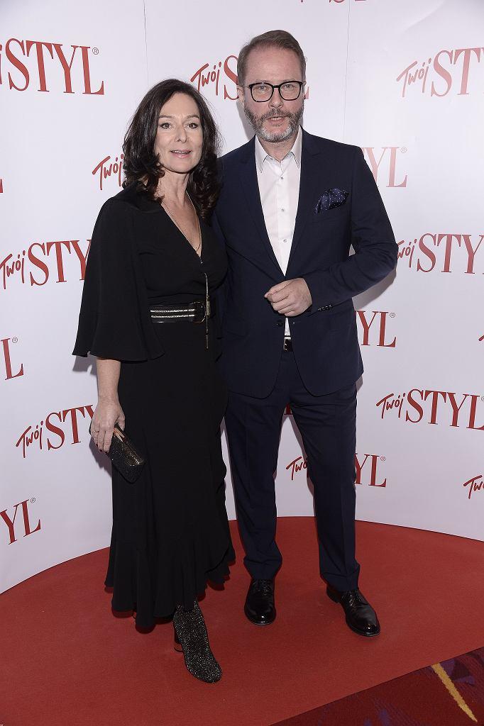 Artur Żmijewski z żoną