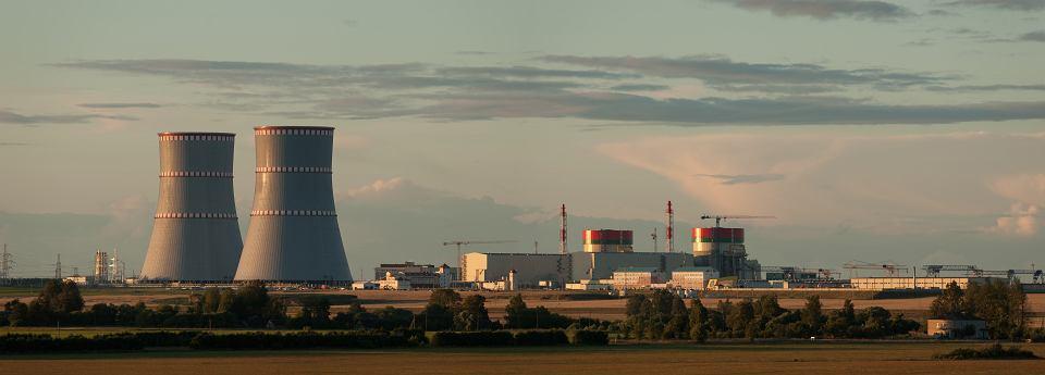 Państwa bałtyckie uzgodniły blokadę importu prądu z Białorusi, po uruchomieniu elektrowni atomowej budowanej tam przez Rosjan (na zdjęciu, lipiec 2020) .