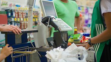 Czy w sklepie można się targować? Kiedy i jak można reklamować produkty spożywcze? Wyjaśniamy