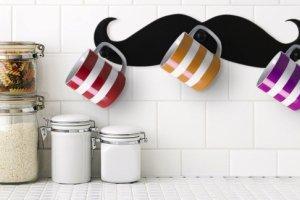 Dekoracje: modne wąsy