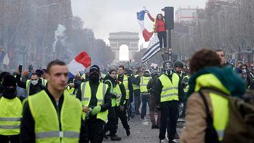 Francja. W Paryżu protesty przeciw podwyżkom ceny paliwa