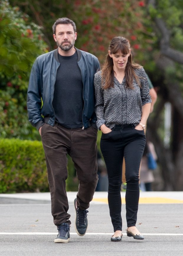 BAUER-GRIFFIN.COM  Ben Affleck and Jennifer Garner are seen in Brentwood  NON EXCLUSIVE April 24, 2015 Job: 150424GONZ1 Los Angeles, CA www.bauergriffin.com