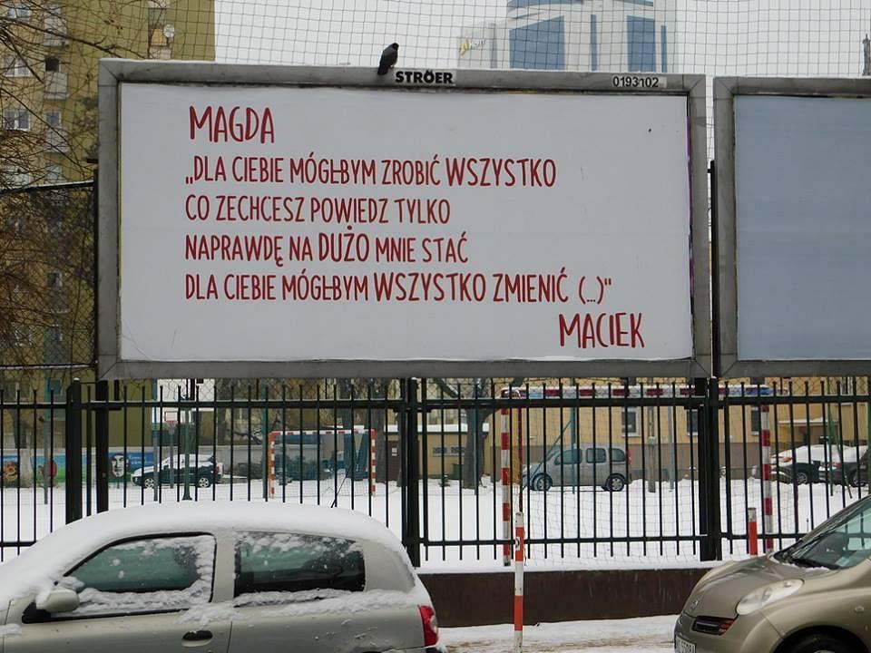 Billboard z miłosnym wyznaniem na Ochocie