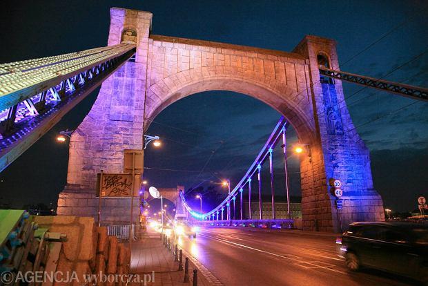 Zdjęcie numer 13 w galerii - Most Grunwaldzki nocą z nowymi światełkami. Jak Wam się podoba? [ZDJĘCIA]