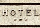 Trzygwiazdkowe hotele uratują wieś? Poszukiwani rolnicy