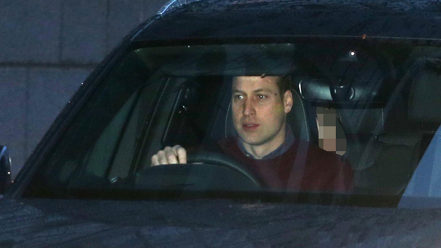 Książę William na pierwszych zdjęciach od odejścia Harry'ego i Meghan. Jego mina wyraża więcej niż tysiąc słów