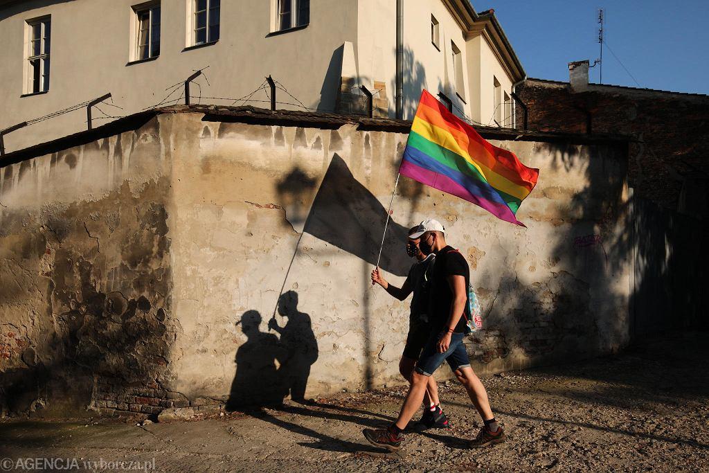 08.08.2020 Kraków. Ul. Szeroka. Protest przeciwko łamaniu praw człowieka w Polsce po zatrzymaniu 50 osób oraz aktywistki LGBT Margot