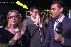 Carrie Fisher i Oscar Isaac udzielają wywiadu na premierze Gwiezdnych Wojen