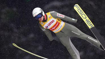 Lindvik wygrywa po genialnym skoku! Stękała wyrównał najlepszy wynik w karierze