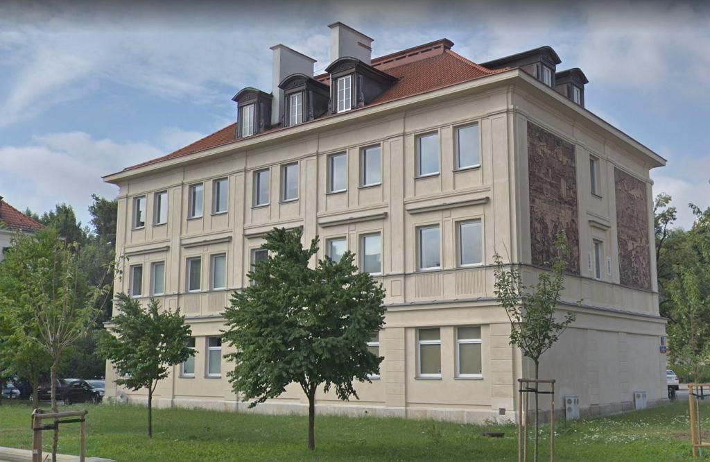 CBA zatrzymało dyrektora szkoły muzycznej w Warszawie. Paweł S. miał przyjąć 17 tys. złotych i żądać więcej