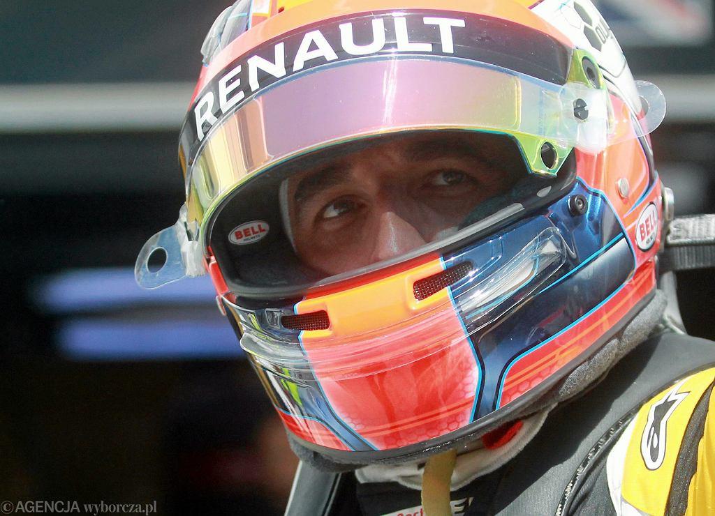 ;Robert Kubica podczas testow formuly 1 na torze Hungaroring