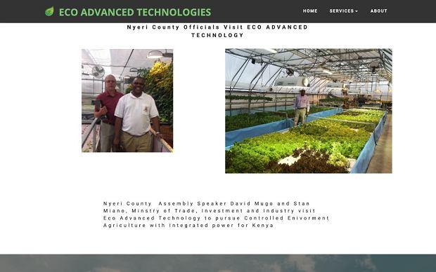 Screen pokazywany przez kenijskie media, mający być dokumentacją oficjalnej wizyty na eksperymentalnym gospodarstwie firmy Eco Advanced Technologies
