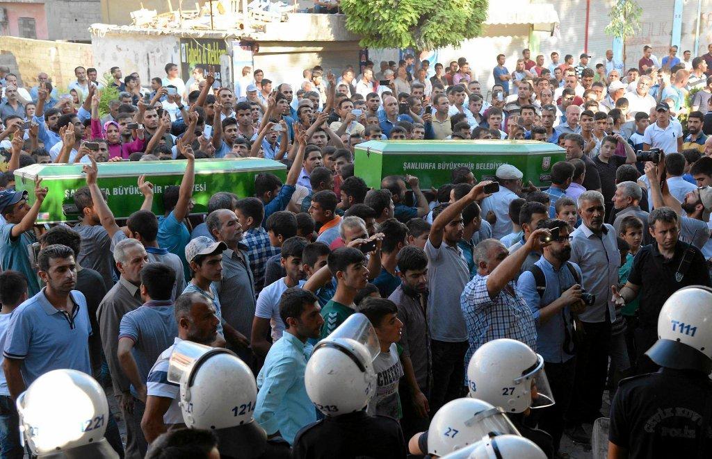 Pogrzeb ofiar zamachu w Suruc