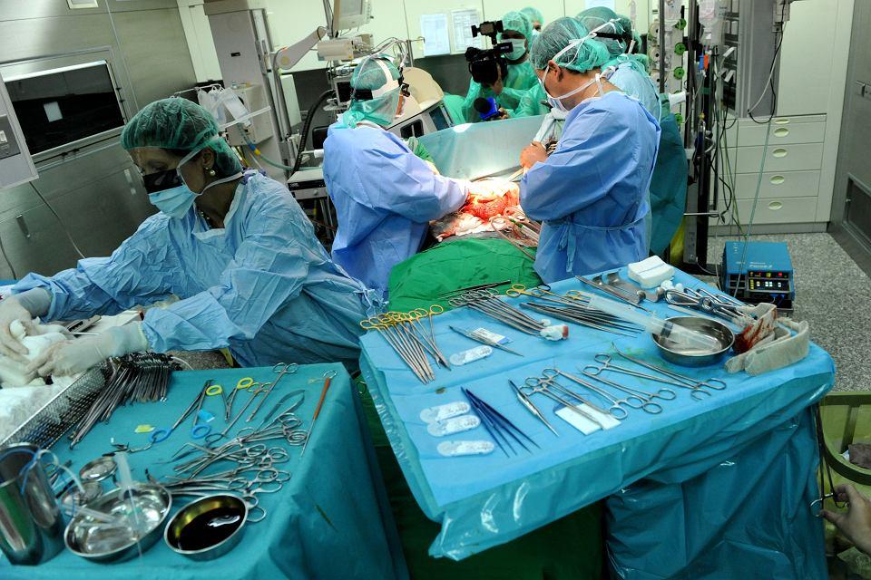 Przeszczep jest utrwalonym sposobem ratowania życia osób ze schyłkową niewydolnością narządów, dla których nie ma innych form leczenia i ratowania ich życia.