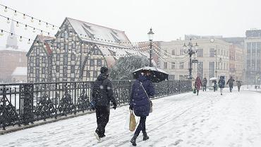 Ostrzeżenia IMG przed intensywnymi opadami śniegu (zdjęcie ilustracyjne).
