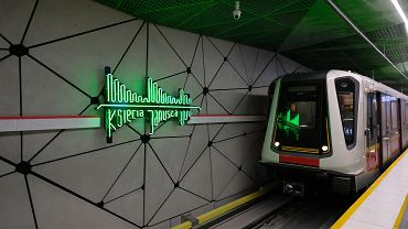 Stacja metra Księcia Janusza