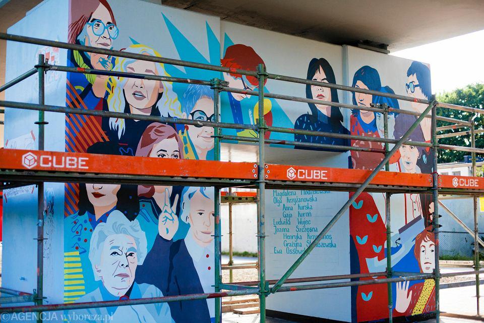 Mural 'Kobiety wolności'.