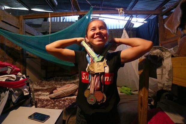 Kostaryka. Rodziny uchodźców z Nikaragui szukają schronienia w niebezpiecznym slumsie La Carpio