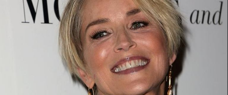 Sharon Stone pozuje w bikini nad basenem. Uwierzycie, że aktorka ma 62 lata?