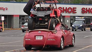 Pojazd UTV na dachu Nissana 350Z