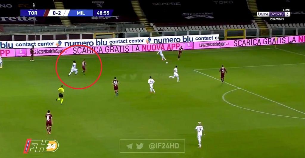 Błąd Karola Linettego w meczu z Milanem