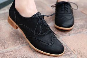 Oksfordy, lordsy i mokasyny - eleganckie buty na co dzień marek premium