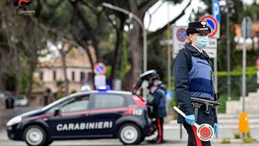 Strzelanina pod Rzymem. Wśród ofiar dwoje dzieci i starszy mężczyzna - napastnik zabarykadował się w domu (zdjęcie ilustracyjne)