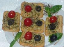 Krakersy zapiekane z serem i ziołami - ugotuj