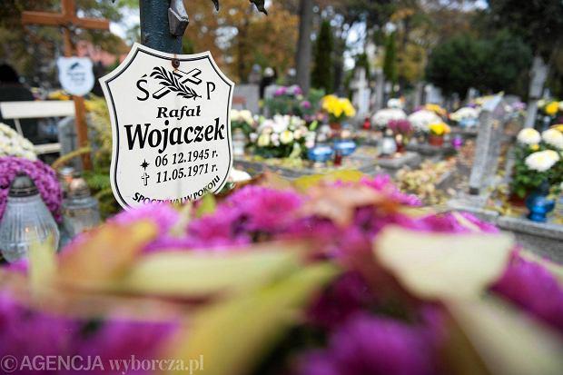 Zdjęcie numer 63 w galerii - Wszystkich Świętych we Wrocławiu. Cmentarze w kwiatach [ZDJĘCIA]