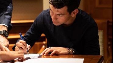 Lozano podpisuje kontrakt z Napoli