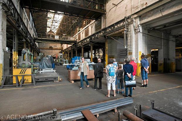 Zdjęcie numer 17 w galerii - Zwiedzali 150-letnią fabrykę obrabiarek na Wilczaku [ZDJĘCIA]
