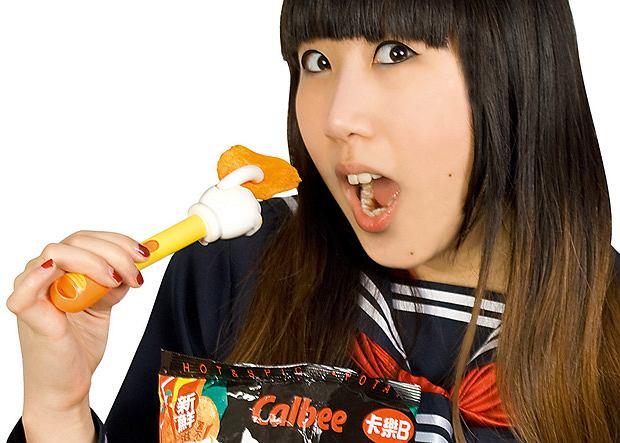 Potechi no Te i Popcorn no Te - plastikowe palce pomagające przy jedzeniu chipsów i popcornu