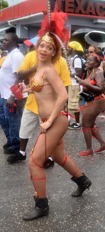 Rihanna podczas karnawału na Barbadosie