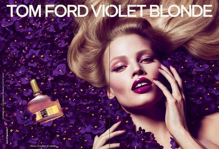 Lara Stone w kampanii perfum Violet Blonde Toma Forda