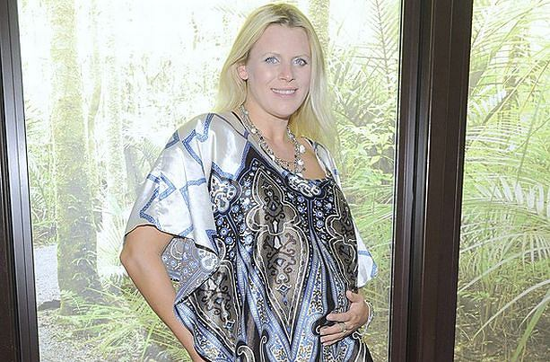 Marysia Sadowska znów zaczęła pojawiać się na salonach. Jej powrót do świata gwiazd nieźle namieszał. Wszystko przez fakt, że Sadowska spodziewa się dziecka i dumnie prezentuje ciążowy brzuszek.