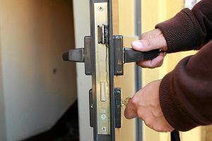 """Urzędnicy w Dusznikach chcą mieć duplikaty kluczy do mieszkań komunalnych. """"Dobrowolnie nie oddam"""""""