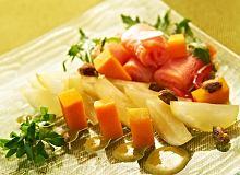 Sałatka z marynowanej dyni i łososia - ugotuj