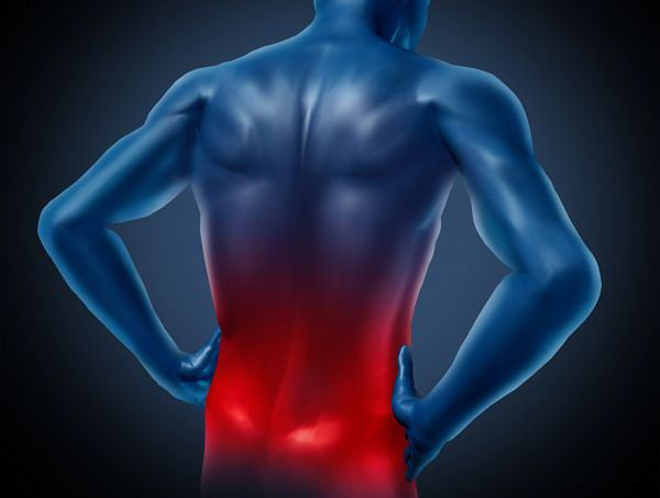 Do objawów w przypadku kręgozmyku cieśniowego zalicza się głównie ból dolnej części pleców i okolicy pośladków. Obserwuje się jednak, że choroba może nie dawać o sobie znać w żaden sposób nawet przez wiele lat,