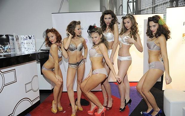 Na wczorajszym pokazie bielizny Panache było co oglądać. Celebryci nie odrywali wzroku od seksownych modelek. Te bawiły się chyba równie dobrze, co goście. Uśmiechnięte, wesołe przypominały nieco Aniołki Victoria's Secret.