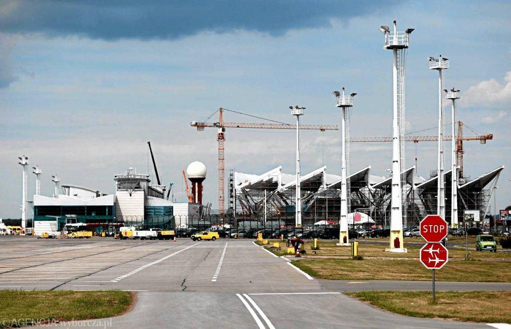 Terminal nr 2 na lotnisku w Rębiechowie