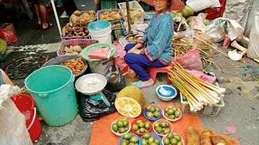 Życie w prowincji Sarawak ma specyficzny koloryt, czy to na targu owocowym w Kuching, czy w jednym z longhouse'ów w wiosce Lemanak.