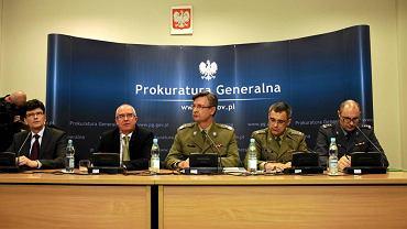 Naczelna Prokuratura Wojskowa podczas konferencji prasowej i ogłoszenia nowych ustaleń ws. katastrofy smoleńskiej