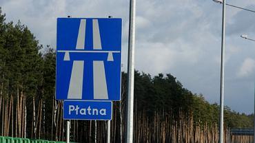 Płatne odcinki autostrad zawsze oznaczone są odpowiednimi znakami