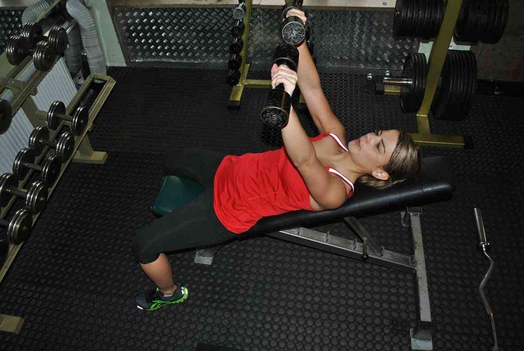 Zmienna ilość powtórzeń pozwala na trening siły, wytrzymałości, szybkości oraz poprawy ogólnej kondycji
