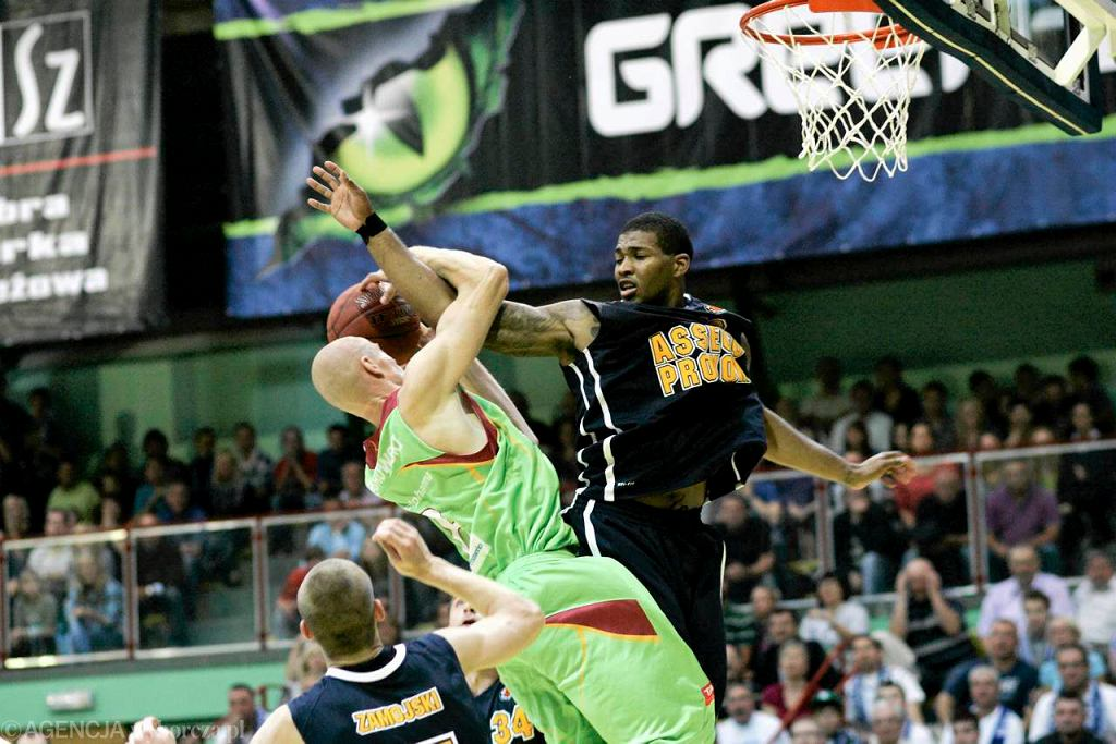 Koszykarze Polpharmy Starogard Gdański (zielone stroje)
