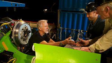 "James Cameron wchodzi do ""Deepsea Challengera"""
