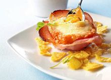 Eggs sofrito - jajka zapiekane w szynce - ugotuj